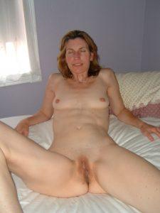 maman sexy qui recherche du sexe dans le 06